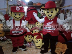 Maskot – BKM024